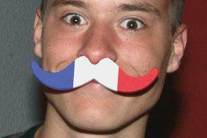 em2020-FS-4400 moustache France